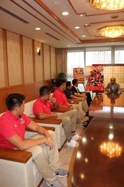 キヤノンイーグルス選手及び関係者の方々に訪問頂きました