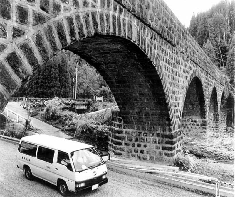 大野川の石橋たち/明正井路第一拱石橋